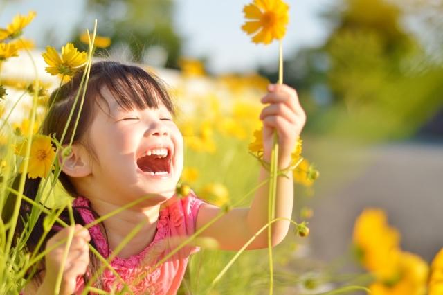 お花と子ども